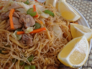 filipino-recipe-pansit-miki-at-bihon-guisado19