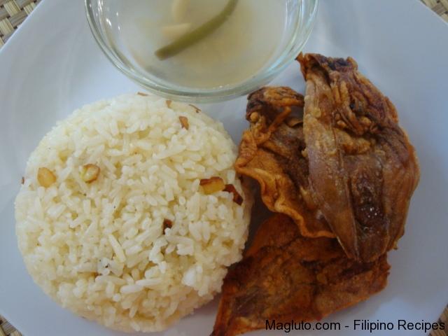 Filipino Recipe Pritong Daing na Pusit (Fried Dried Squid) | Magluto